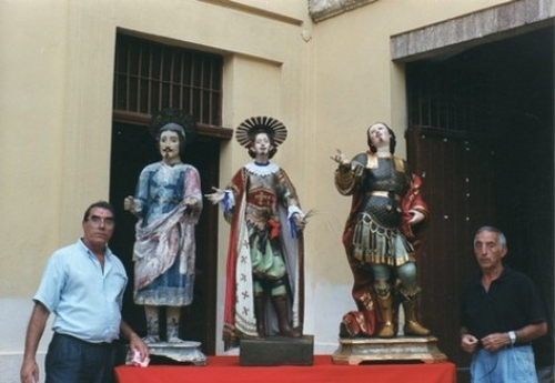 Sant'Efis sballiau: una statua da amare