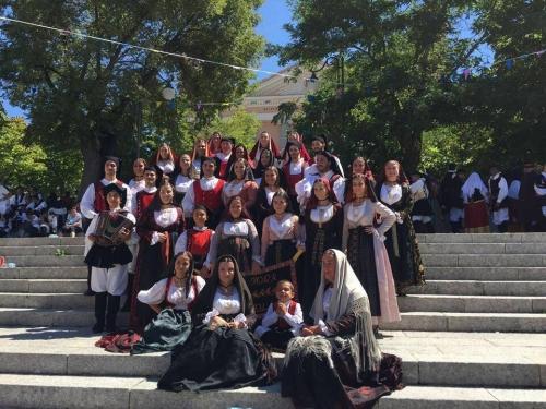"""Sant'Efisio chiama. Il Gruppo Folk """"Sant'Anna"""" di Tortolì risponde"""