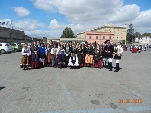 """Gruppo Folk """"I Nuraghi"""" di Sestu e sant'Efisio"""